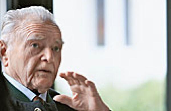 Fallecimiento del Dr. Heinrich Pfeiffer