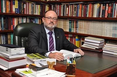 Juan Luis Gómez Colomer